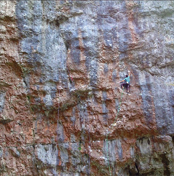 Climbing Pierrepoint (7c+) at Gordale Scar, yet another 40m route that I fell of at around 39.5m