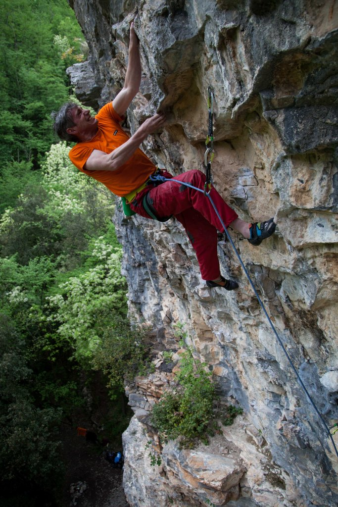 'The Boss', Alan James, going all guns (and trousers) blazing at Reunion in an attempt to bag his 7a of the trip