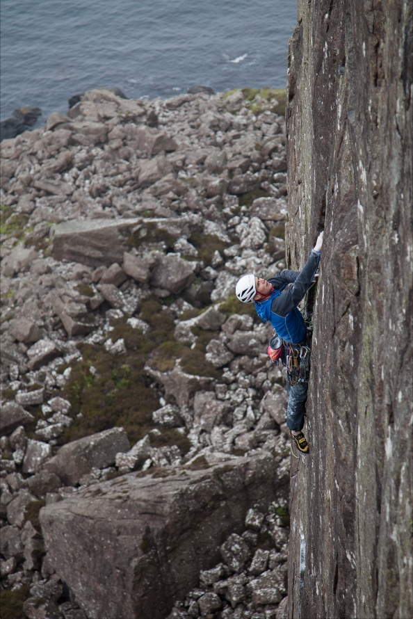 Ed Booth getting what he deserves: his first E7 onsight with 'Way of the Jive Monkeys'