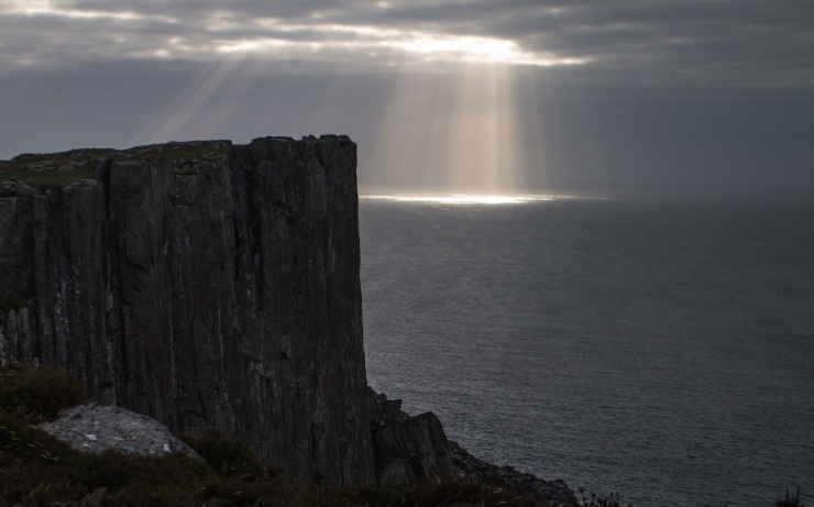 Rays of light over Fair Head
