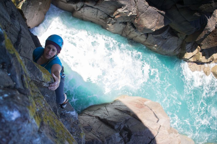 Sophie seconding the first pitch of Green Cormorant Face (E2 5c)